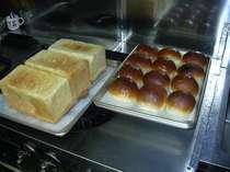 手作りパン このほかに ライ麦パンバターロール ゴマパン じゃがいもパンなどがあります