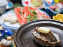 *お夕食一例(鮑のステーキ)/口に入れた瞬間薫る磯の香り◎弾力ある食感もお愉しみ下さい。