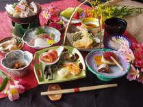 海にも近く、山にも囲まれた越後湯沢。お米はもちろん、海と山の旬の料理をお楽しみ下さい。