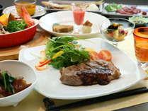 *ご夕食は色鮮やかで栄養&ボリューム満点!