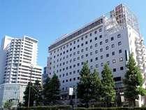 岡山ワシントンホテルプラザ1階には24時間営業のコンビニがあり、とても便利です。