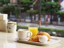 焼きたてパンの朝食無料サービス【6:30~9:30】