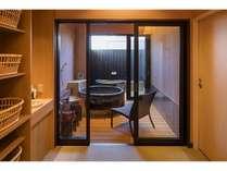 貸切風呂 撮影:下村 康典の画像