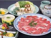 牛すき焼き鍋の画像