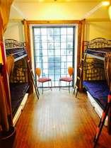 男女共同ドミトリー内ベッド1-8台 貸切