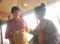 湯上り処では手作り杏仁豆腐とハーブティーのサービスがある