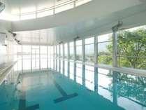 【室内温水プール】 夏季限定(7月中旬~9月上旬までの営業です (有料・10:00~17:00)