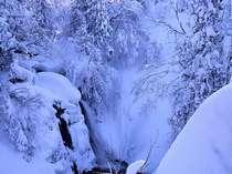 白銀の滝~冬~