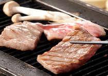伊予牛の鉄板焼き。やっぱり美味しいお肉です。