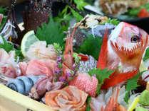 夕食◆豪華舟盛◆伊勢海老付き!舟盛りには15種類の新鮮なお魚を使用