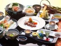 別府湾を望む絶景のレストランで総料理長自慢の創作会席を堪能(イメージ)