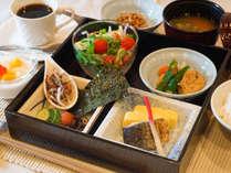 国産米がおいしい和食スタイルの朝食営業時間7~9時