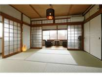 【和室】2階の和室です。畳・押入がございます。