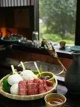 会話を楽しみながら寛ぐ 囲炉裏会席(料理内容は月毎に変わります。)