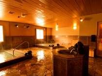 ◆広々としたレイアウトの大浴場。日帰り入浴も行っております。