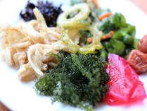 沖縄食材を使用した料理はお薦めです。日替わりにて提供致します。