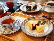 ・1Fカフェ/こだわりのコーヒーや紅茶、スイーツをご用意しております。