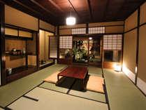 1階 床の間のある和室からの眺望