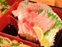 *[夕食一例]お刺身も食べ応え抜群。