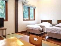 203号室  ロフト&天窓付き和洋室(20畳以上)琉球畳の和室と洋室ツイン