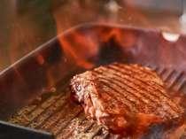 栃の木黒牛のサイコロステーキと栃木のブランド肉に舌鼓