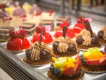 ホテルメイドケーキ(イメージ)食べるのがもったいない、かわいいスイーツの数々。