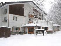 *当館周辺は美しく雪化粧をします
