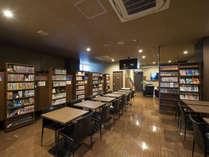 【3F癒しカフェ】ビジネスの拠点としても使える癒しカフェ。無線WiFiに電源もございます。