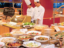 大人からお子様まで楽しめるバラエティ豊かなブッフェスタイルレストランコローネ(イメージ)