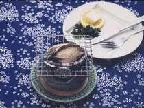 磯の香りを内包する貝の王様、鮑の一例。