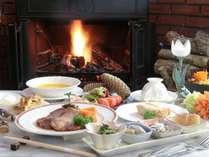 ☆お楽しみのお食事は、新鮮な高原野菜を使ったアミューズから始まるコースをご用意。
