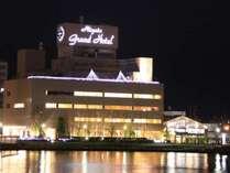 ホテル外観夜(イルミネーション)
