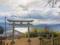 天空の鳥居、高屋神社