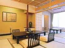 *【客室一例】14.5畳で広々♪窓の外は、渓谷や川などの大自然が広がります。
