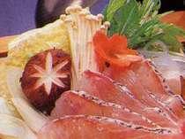お魚の旨みがギュっと詰まった鯛のしゃぶしゃぶ鍋(一例)