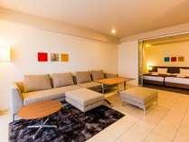 2017年誕生の新客室「D-ルーム」。青函のデザイナー・店舗とコラボした家具や備品も。