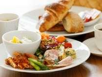 人気カフェ「Cafe & Deli Marusen」より直送!お部屋でいただく朝食バスケット