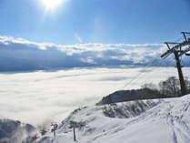 *戸狩温泉スキー場徒歩2分!オリオンゲレンデの眼下に広がる雲海。幻想的な情景に魅了されます。