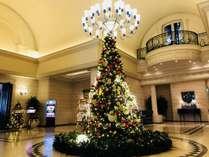 【クリスマスツリー2019 】皆さまをツリーがお出迎えします。