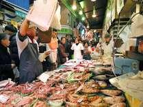 ◇旦過市場◇「北九州の台所」と呼ばれ、新鮮な食材が所狭しと並べられ昔ながらの風情のある市場です。