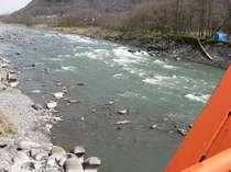 宿、裏側の千曲川