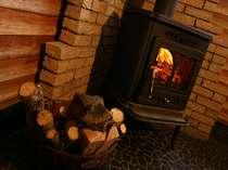 スキーから帰ったら、暖炉で温まろう!