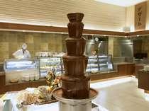 ライブキッチン『デリシャス』 夕食バイキング(一例)  お子様女性に大人気のチョコレートファウンテン