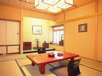 ゆったり和室10畳『芦名の間』。夫婦やカップルのお客様に人気の10畳和室。