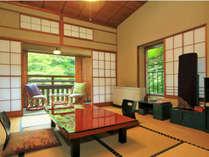 懐かしさを感じる昭和初期当時の純和室 (8畳+踏込・縁側)