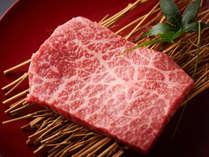 会津牛ステーキは上質な脂がのった、炭火ととても相性の良い食材。溢れる肉汁が特。