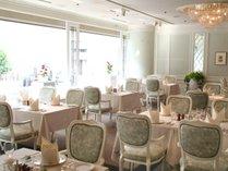 <レストラン ベニール>洗練された空間と、季節感あふれる本格的フレンチの逸品。