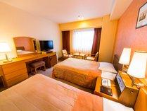 ◆スタンダードツイン(25.2平米)◆110センチのベッドが2台、32インチ液晶TV完備