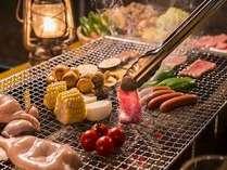 本格炭火のバーベキュー。地元の野菜やお肉、イカなどボリューム満点★