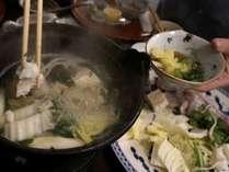 コラーゲン一杯のフグ出汁が染みた野菜はとても美味しいです。。